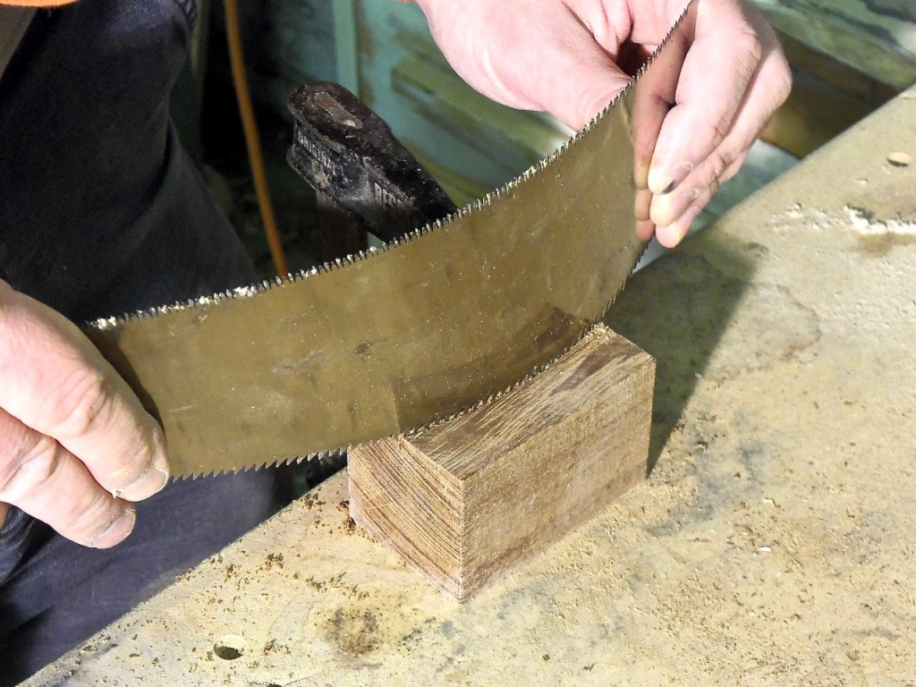 Sawing Curves