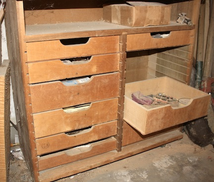 More on Workbench Drawers | Popular Woodworking Magazine
